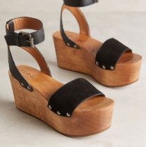 2_Kelsi-Dagger-Willow-Wedges_165-210x211